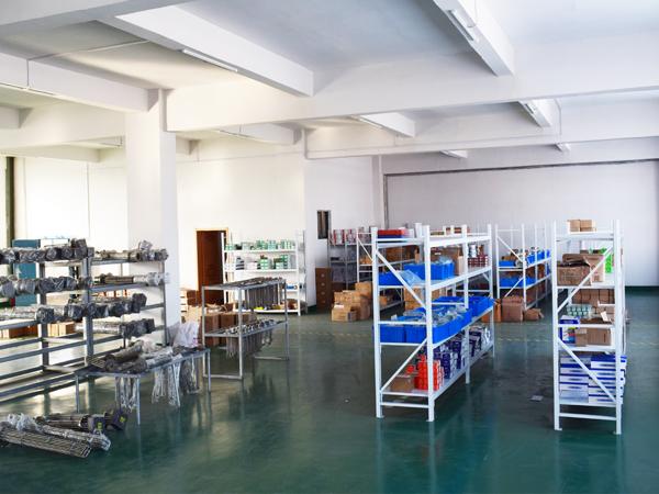 电器配件仓库